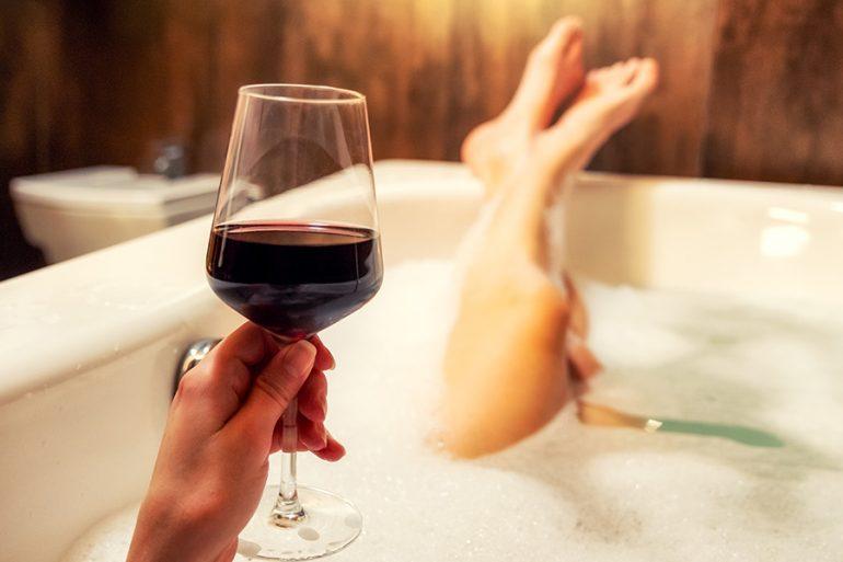 Tomar vino antes de dormir ayuda a bajar de peso, lo dice la ciencia
