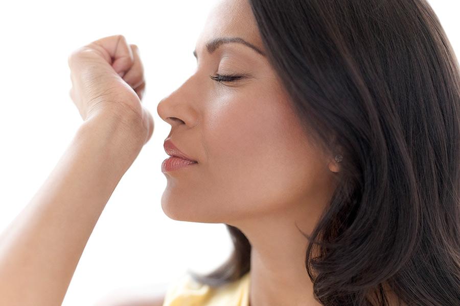 """El olor a """"viejito"""" sí existe y se desarrolla a partir de los 30 años"""