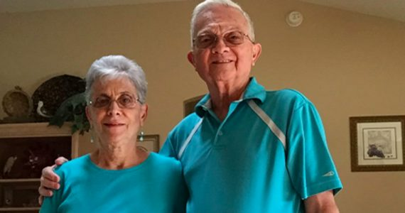 abuelitos-matching-outfits