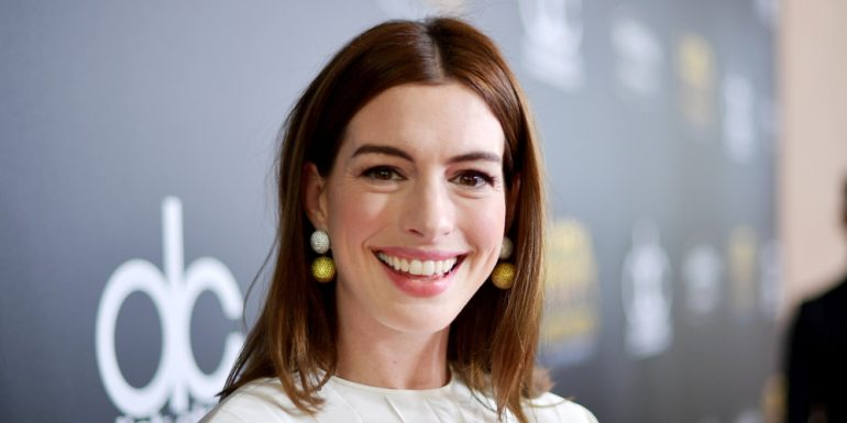 anne-hathaway-alcohol