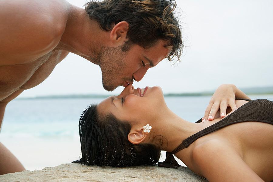12 tipos de besos (y cómo hacerlos) que lo dejarán con ganas de *MÁS*