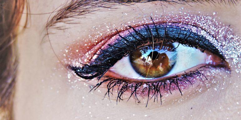 como-agrandar-tus-ojos-con-maquillaje