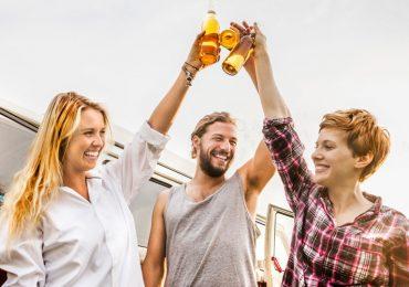 cerveza-puede-hacerte-lucir-más-joven