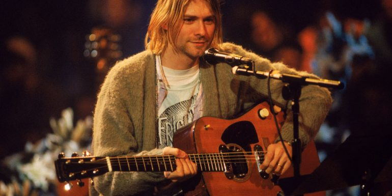 kurt-cobain-guitarra-unplugged