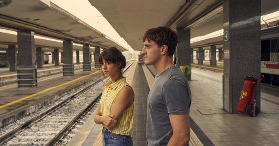 Daisy Edgar-Jones y Paul Mescal protagonistas de Normal People en Cosmo