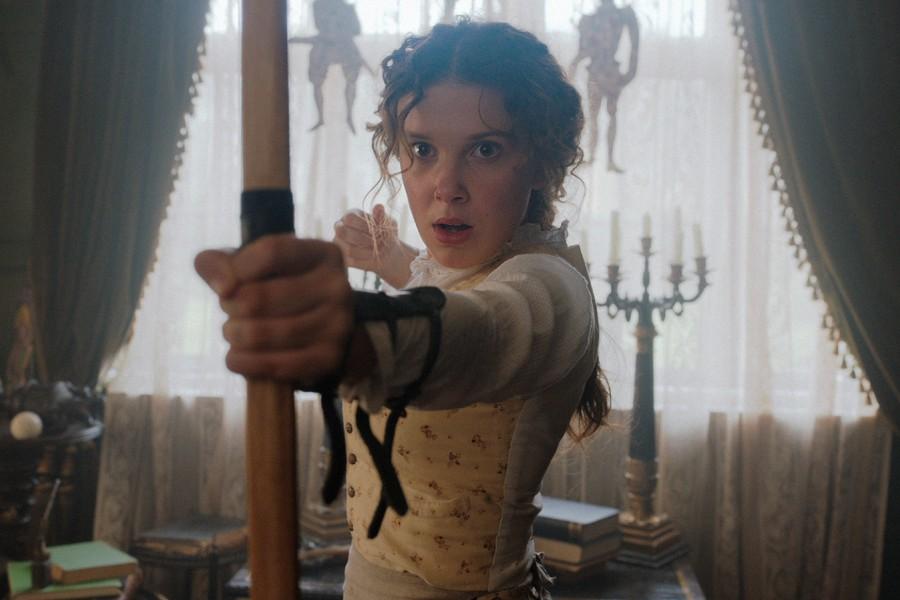 Millie Bobby Brown es Enola Holmes, la hermana menor de Sherlock Holmes