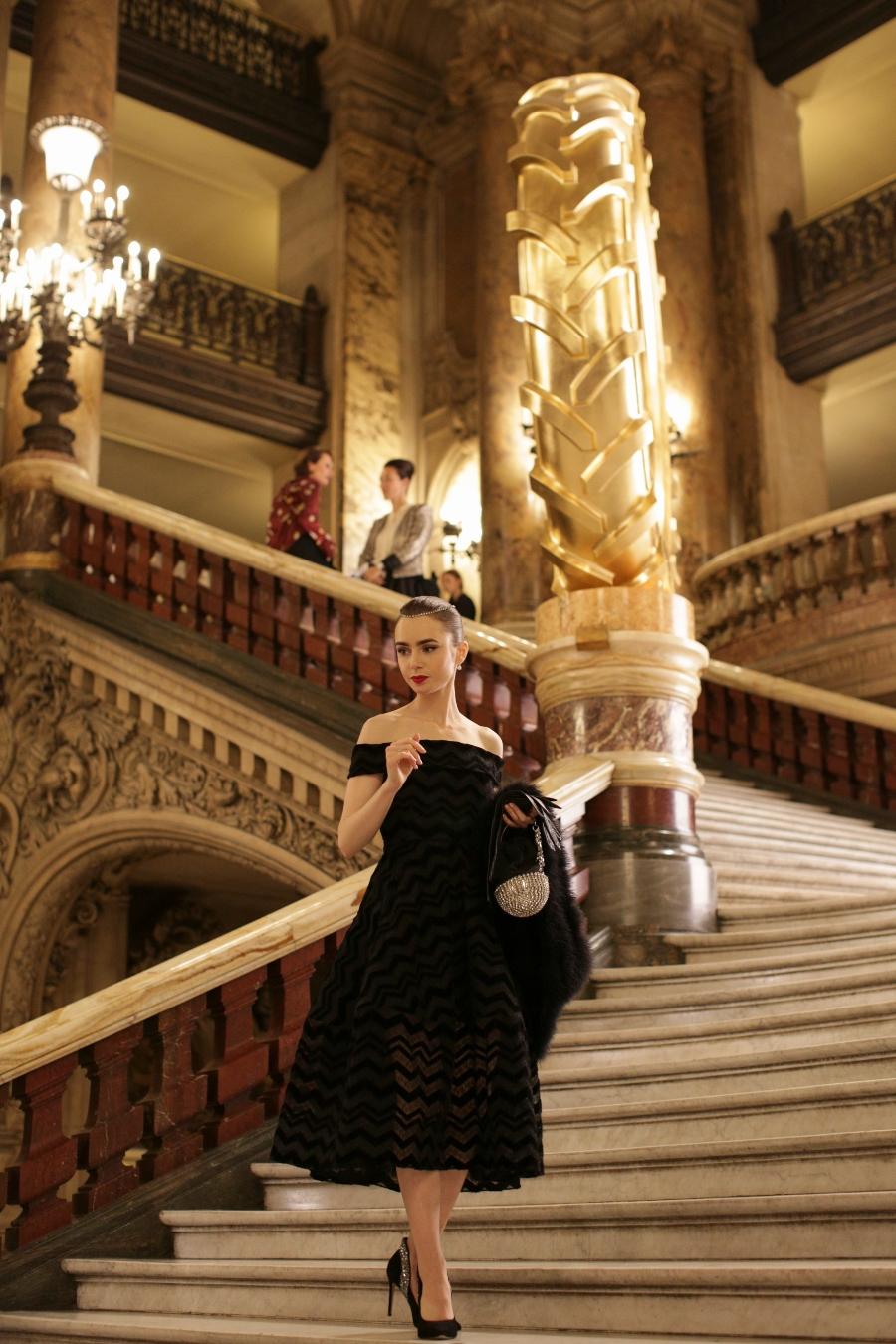 diseñadores vestuario de lily collins en emily in paris