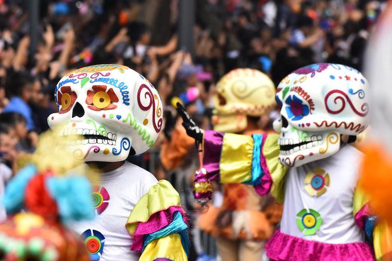 Qué lleva una ofrenda de Día de Muertos Desfile