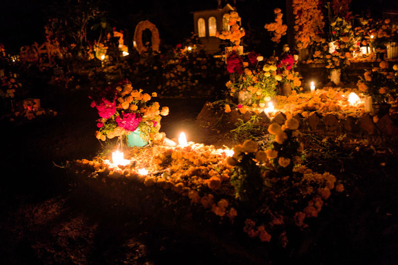 Qué lleva una ofrenda de Día de Muertos Panteón