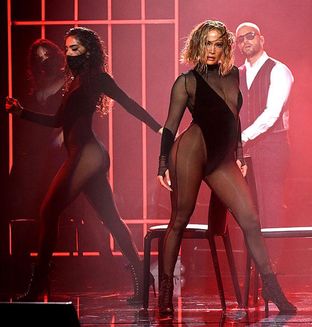 J.Lo y Maluma en los AMA's