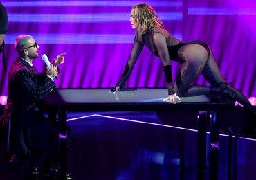J.Lo y Maluma encienden los American Music Awards