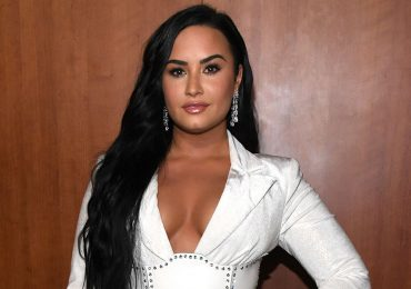 Demi Lovato se refiere con humor a su soltería en los People's Choice Awards