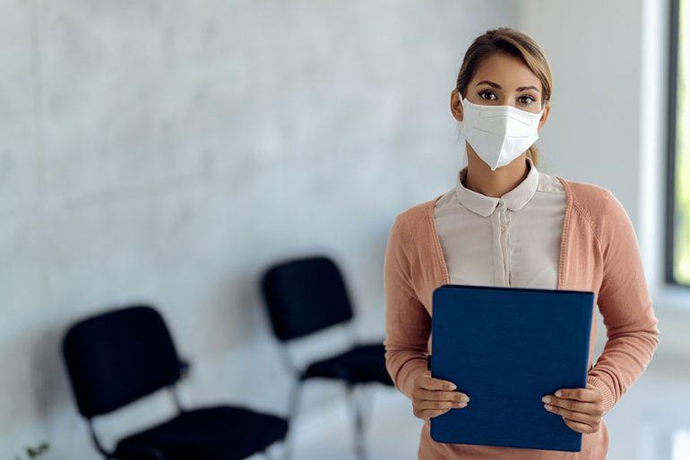 ¿Entrevista de trabajo con cubrebocas? 6 consejos para una comunicación eficaz