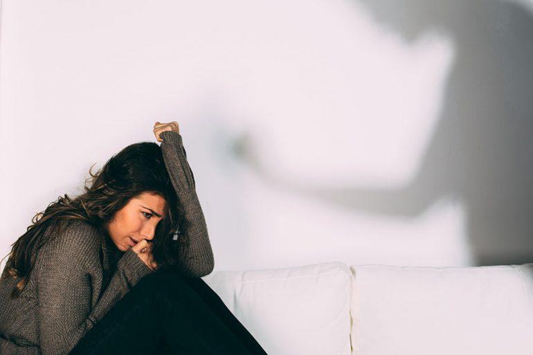 Cuál es la diferencia entre violencia doméstica y violencia de género