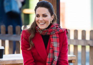 6 looks con abrigo de Kate Middleton para recrear esta Navidad