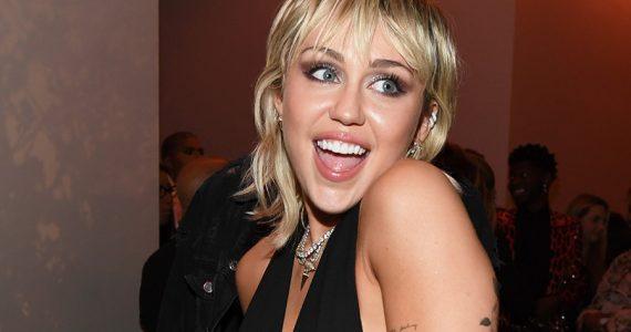 Miley Cyrus revela cómo tiene sexo seguro en esta pandemia