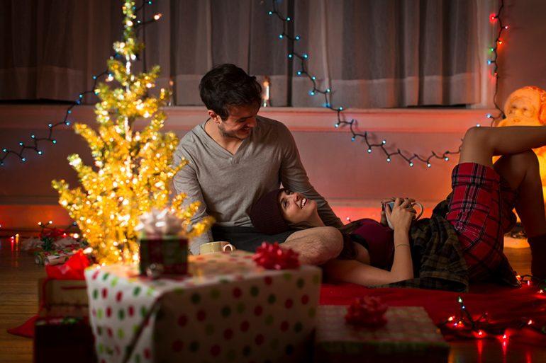10 ideas de citas navideñas con tu galán (aplicables en estos días de pandemia)