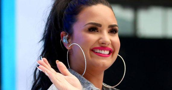 """""""Mis estrías no se van a ir"""": Demi Lovato las celebra con linda autosesión"""