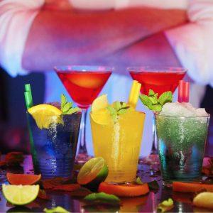 Bebidas alcoholicas en un bar