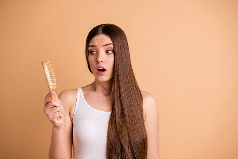 Caída del pelo, ¿cuándo es normal y cuándo no?