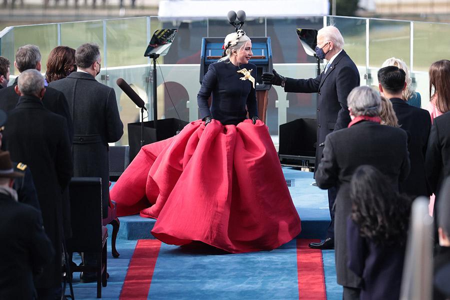 Así fueron las conmovedoras actuaciones de Lady Gaga y JLo en la investidura de Joe Biden