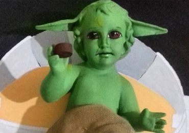 Primero la rosca, ahora crean al Niño Dios Baby Yoda