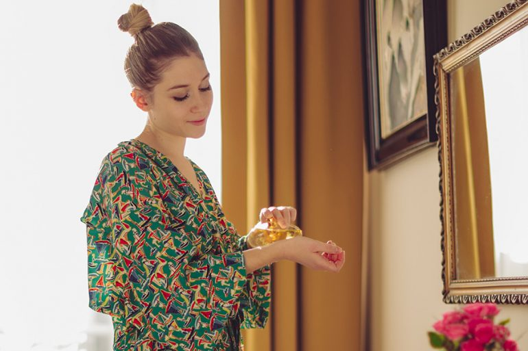 ¿Sabes aplicar correctamente tu perfume? Aquí 6 trucos para que dure más