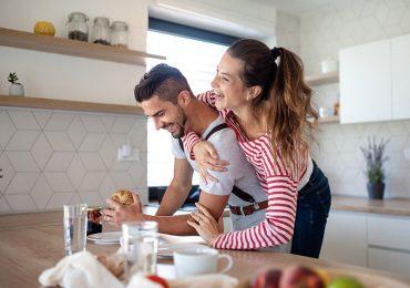 ¿El secreto de la felicidad? Cambiar de pareja cada 5 años, según psicólogos