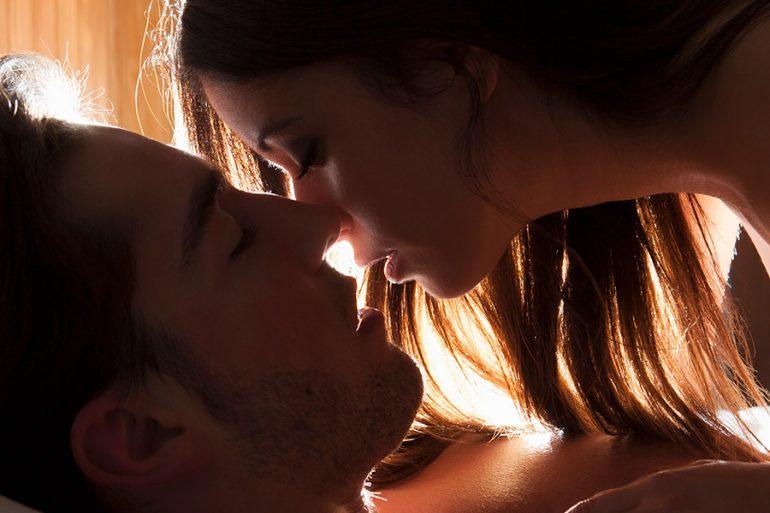 Asocian mayor riesgo de cáncer con tener más de 10 parejas sexuales
