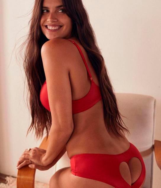 Body Positive: la top Sara Sampaio muestra cómo cambia la figura según la pose