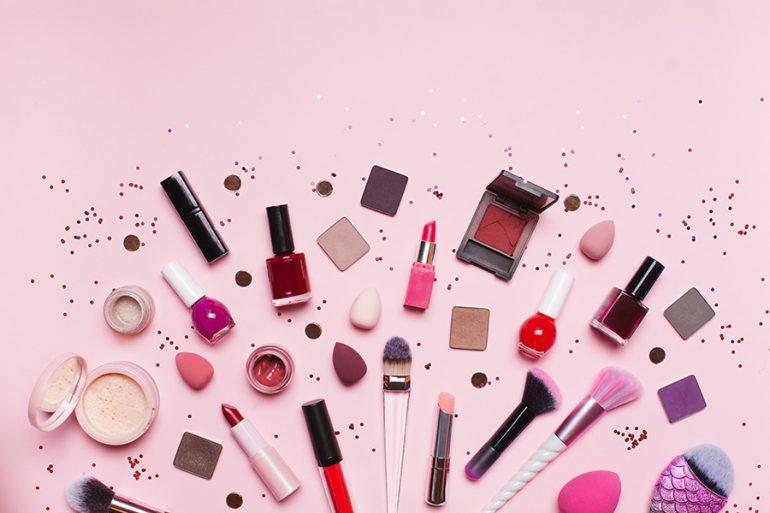 formas en las que les puedes dar un doble uso a tu maquillaje