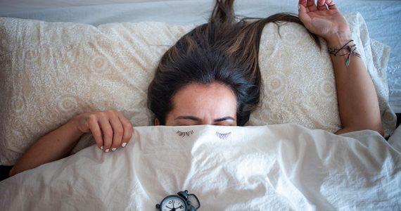 ¿Problemas de insomnio? Aquí 5 técnicas para dormir rápida y profundamente en minutos