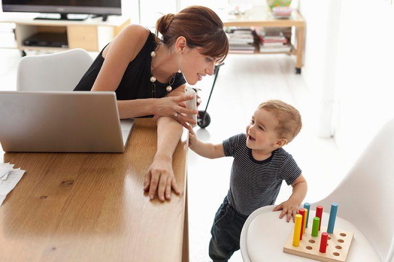 Ser mamás después de los 35 mejora la memoria, según estudio