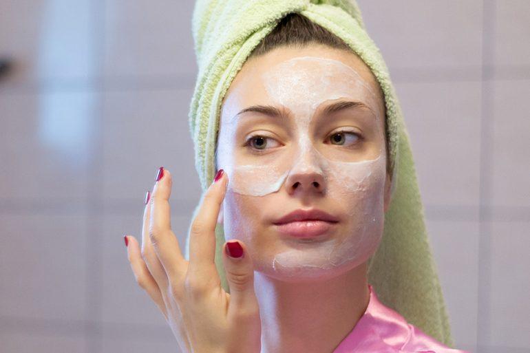 5 mascarillas de yogur para mejorar tu piel