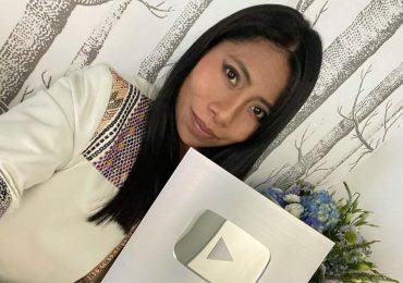 Yalitza Aparicio ya es toda una estrella en YouTube y recibe placa de reconocimiento