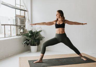 Ejercicios de yoga que te ayudarán a mejorar la digestión