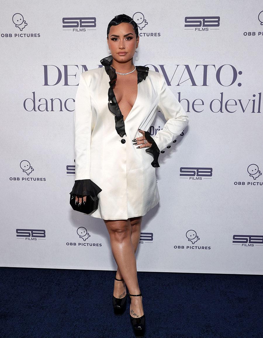 ¿Blazer sin pantalón? Demi Lovato y Kendall Jenner confirman que es una tendencia