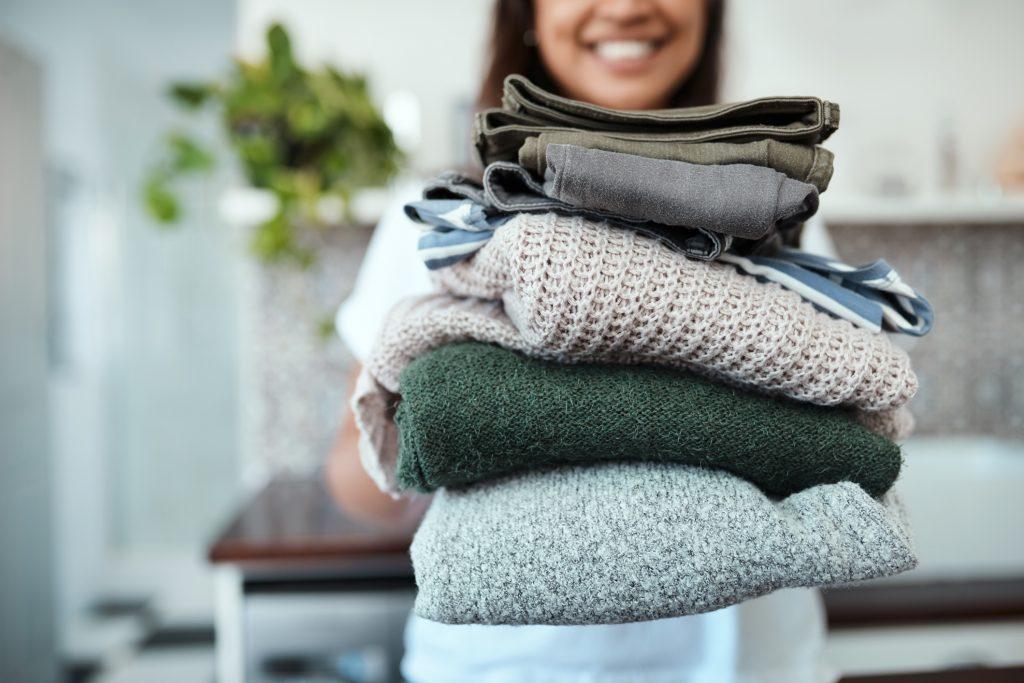 Sitios donde puedes vender tu ropa usada