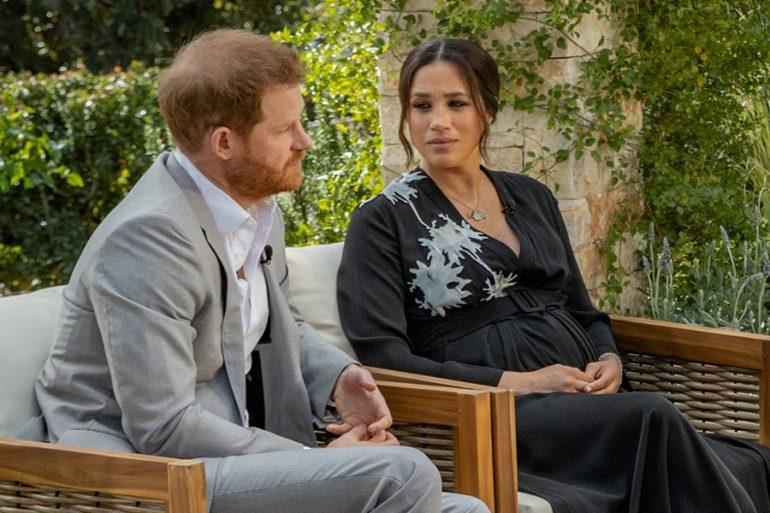¿Qué dice el lenguaje corporal de Meghan y Harry en la entrevista con Oprah?