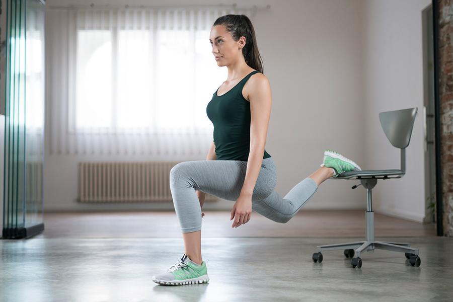 Sentadilla búlgara, un súper ejercicio para piernas y glúteos ardientes