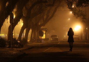 Mujeres seguras en la noche: proponen toque de queda a hombres en Reino Unido