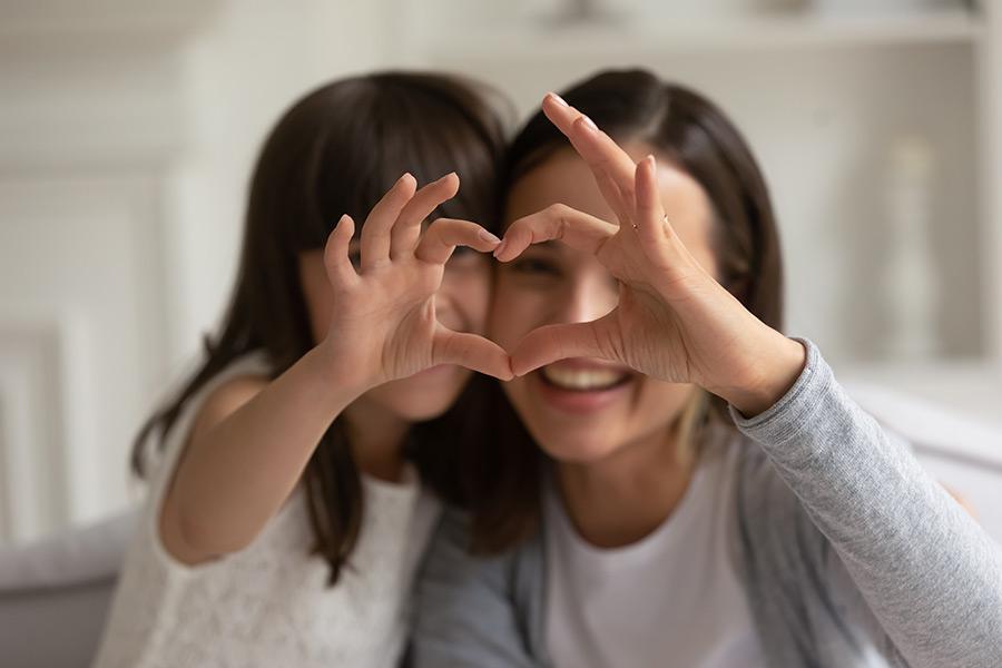 ¿Por qué los hijos de las mamás millennials son más felices? La ciencia dice