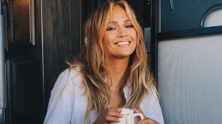 Jennifer Lopez envía poderoso mensaje con su outfit tras su ruptura