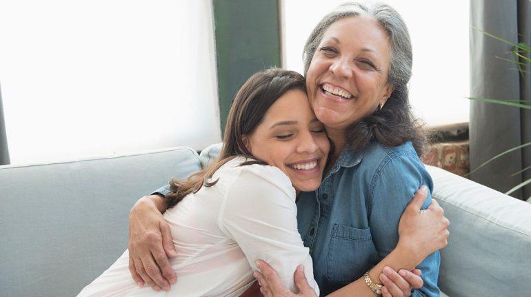 Las madres más exigentes crían hijas más exitosas