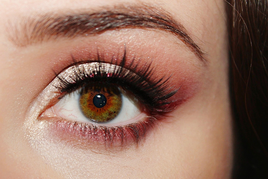 Cómo maquillar los ojos cafés para hacerlos resaltar
