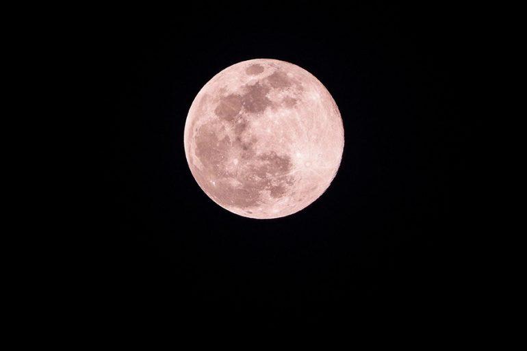 Prepárate para la superluna rosa de abril: cuándo y qué significa