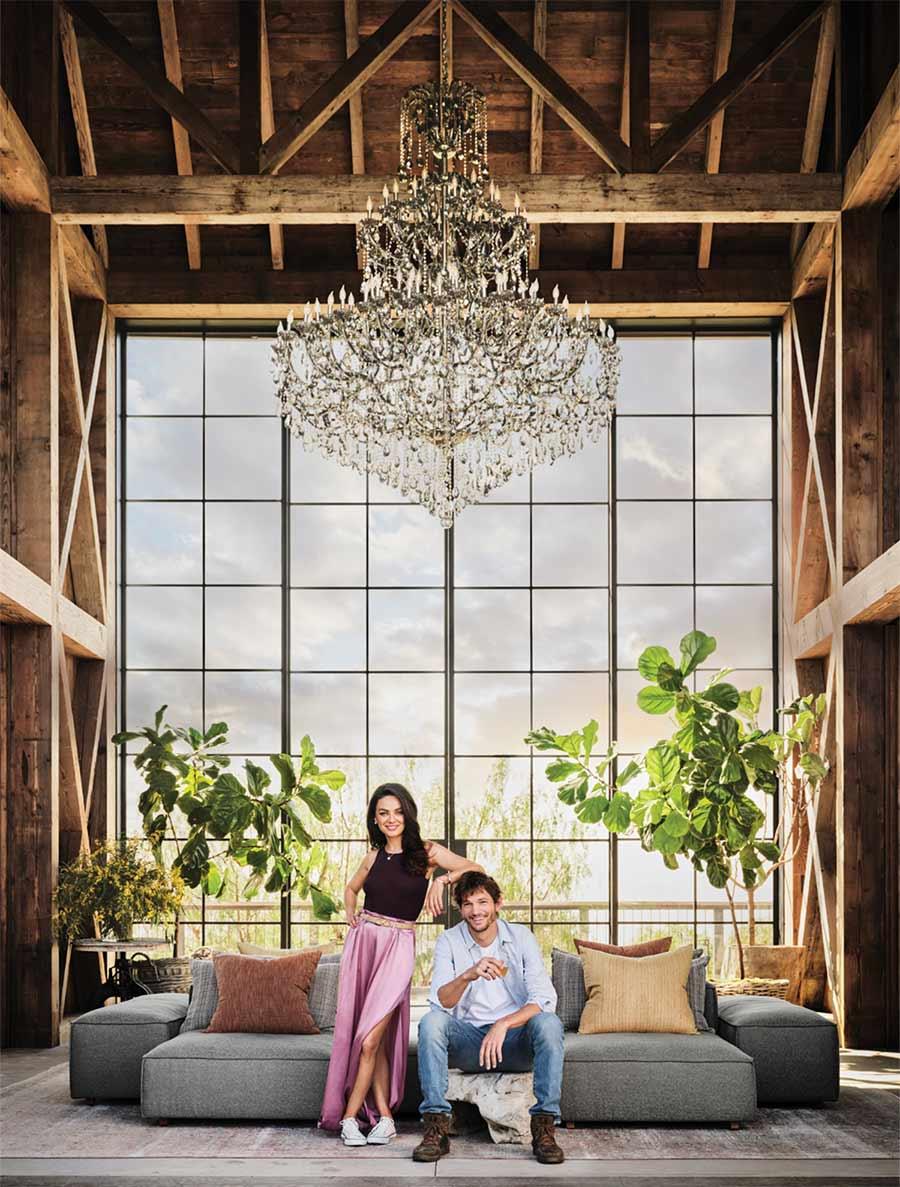 Ashton Kutcher y Mila Kunis muestran su mansión estilo granja sustentable (es impresionante)