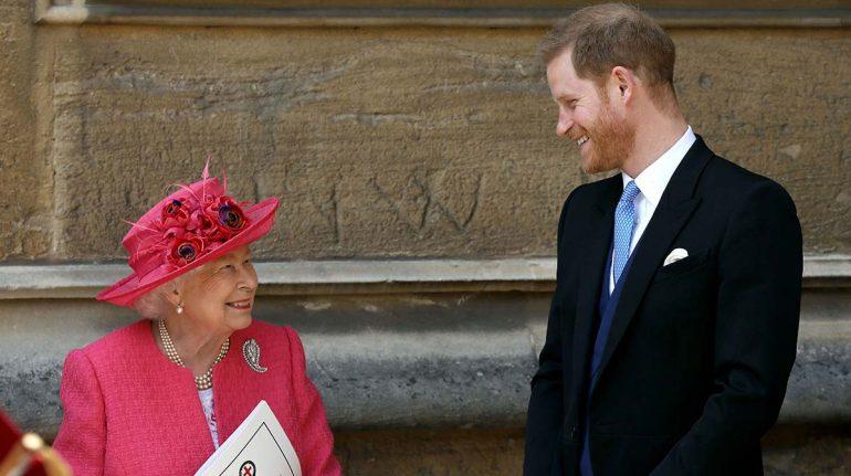 """La reina no está impresionada, pero sí """"herida"""" por comentarios de Harry"""