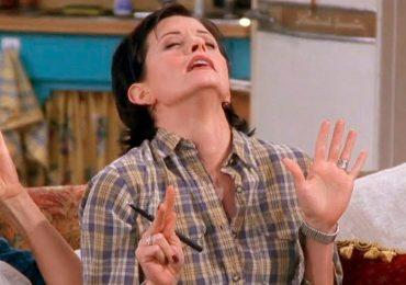 Una de 'Friends': Monica le muestra a Chandler los 7 puntos erógenos femeninos