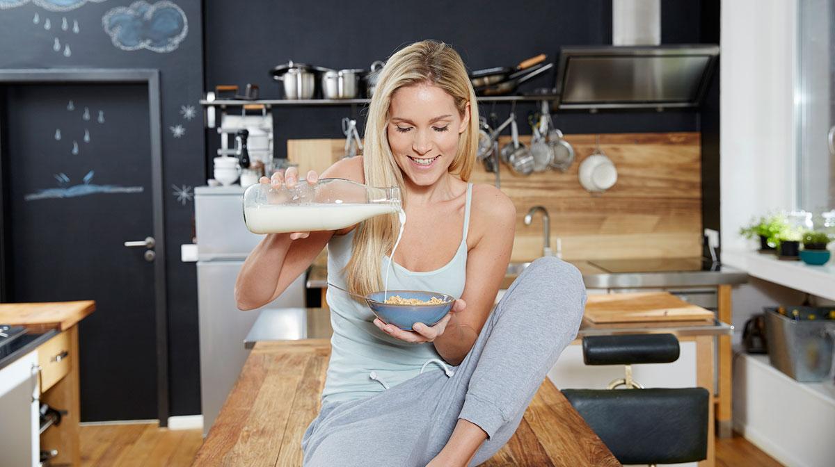 4 alimentos que parecen saludables, pero no lo son tanto - Leche
